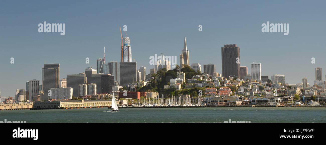 Vue sur San Francisco depuis l'île d'Alcatraz le 1er mai 2017, California USA Photo Stock
