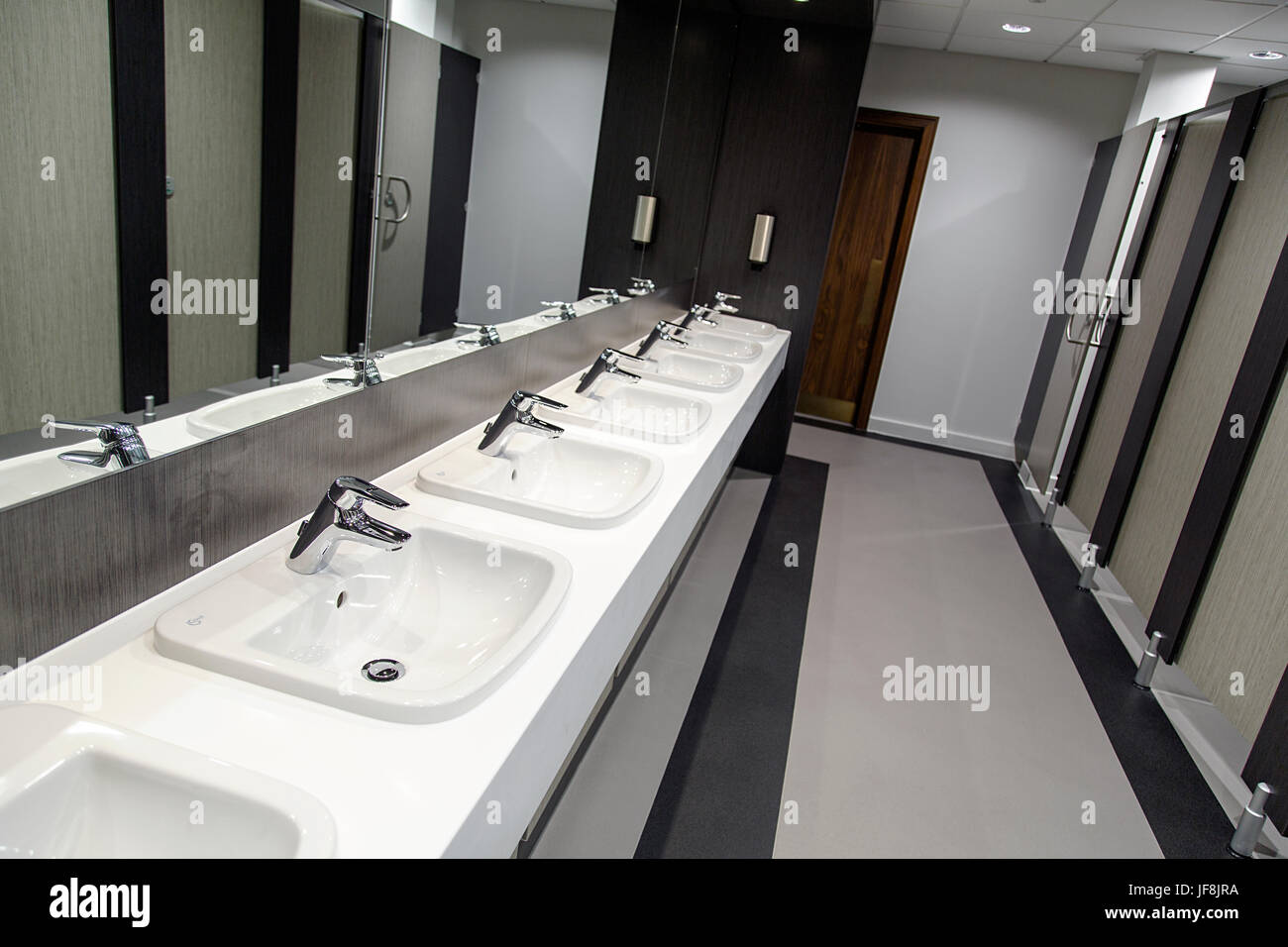 Salle De Bain Public ~ public bathroom photos public bathroom images alamy