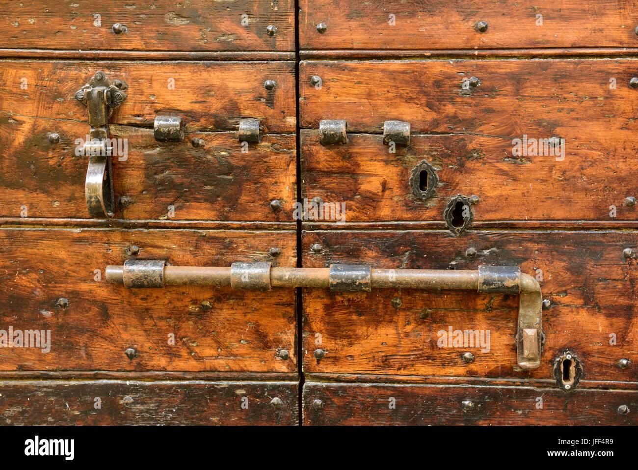 Vieille Porte En Bois Coulissante ancienne porte coulissante serrure vis sur la porte en bois