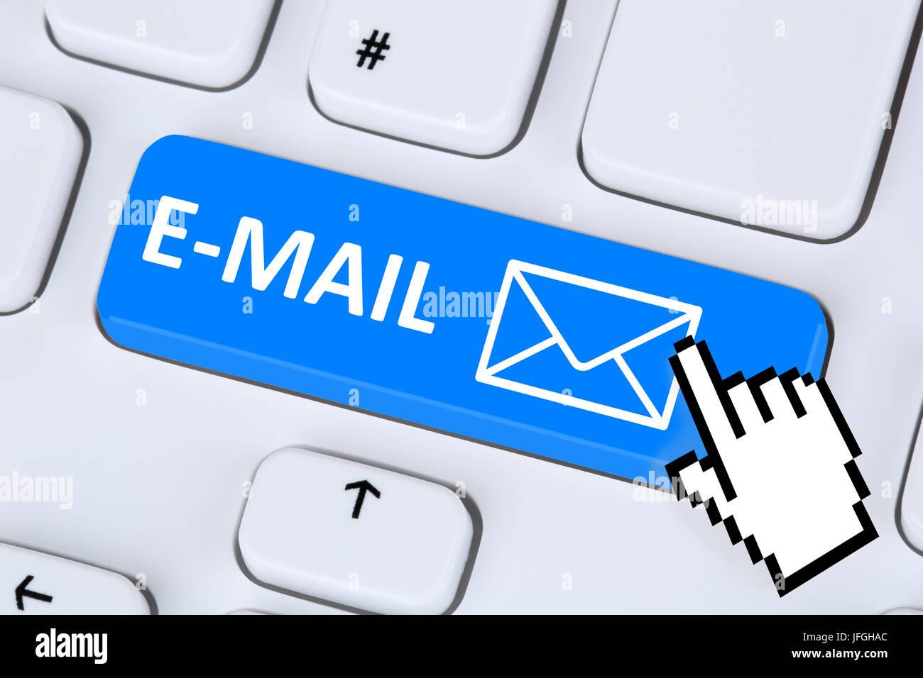 E-Mail Nachricht Message senden auf Computer Keyboard Photo Stock