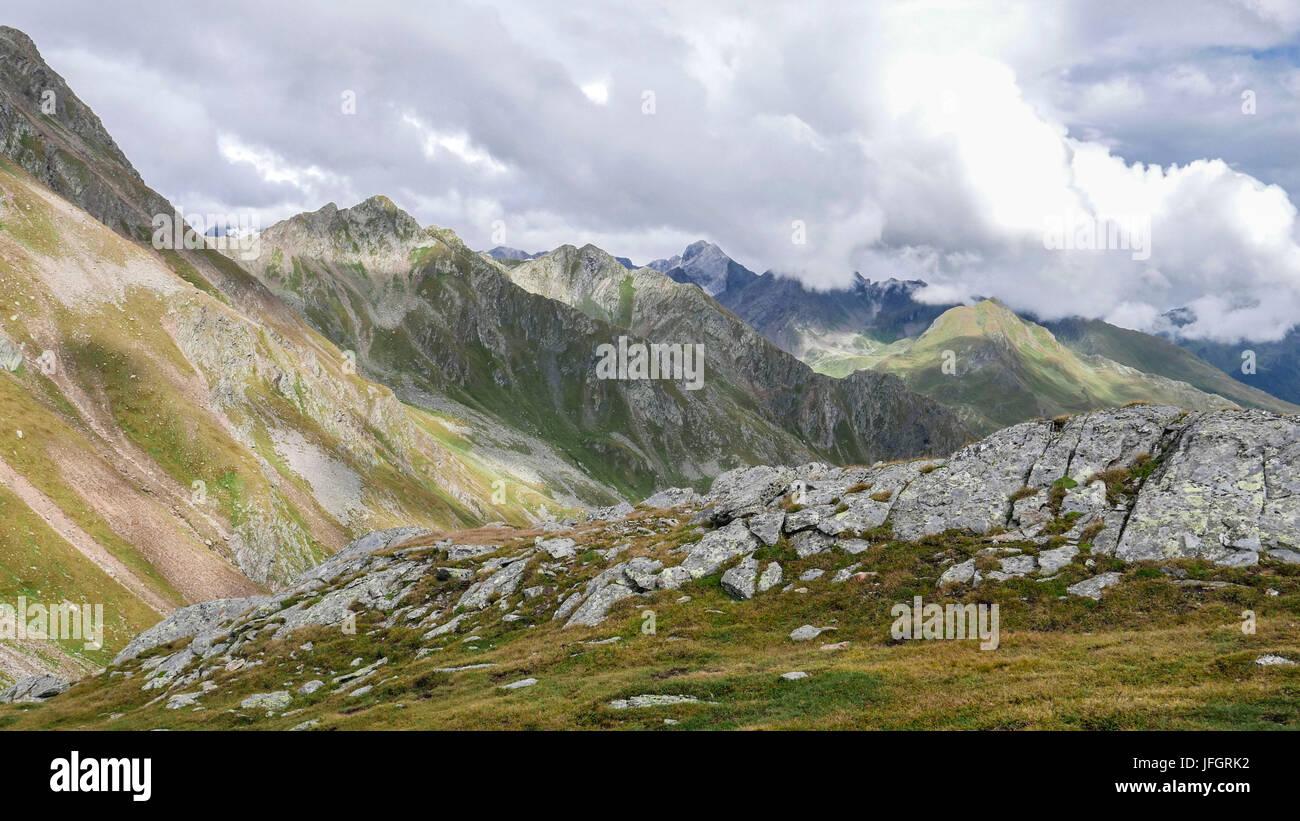 Vue Sur Le Timmelsjoch Sur Hochwart Dans La Réserve Naturelle Sur  Lu0027Timmelstal Texelgruppe Passeier