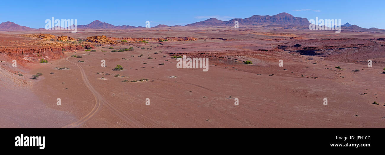De vastes paysages, l'érosion de grès rouge, Gai ace, Damaraland, Namibie Photo Stock