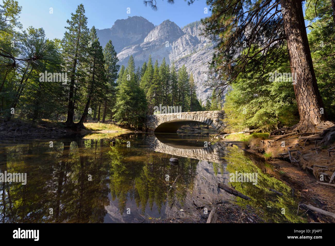 Voir dans la vallée de Yosemite, aux États-Unis, en Californie, Yosemite National Park Banque D'Images