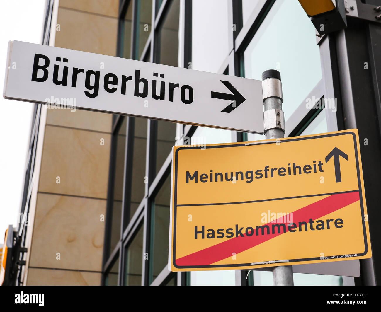 - Hasskommentare,Meinungsfreiheit Bürgerbüro Photo Stock