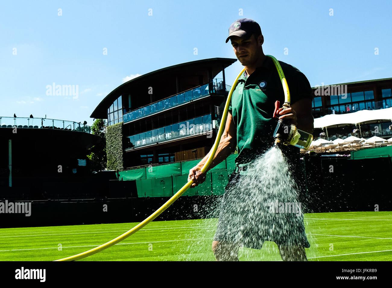 Londres, Grande-Bretagne, 2ndJuly:2017 derniers préparatifs avant les Championnats de tennis de Wimbledon 2017 Photo Stock