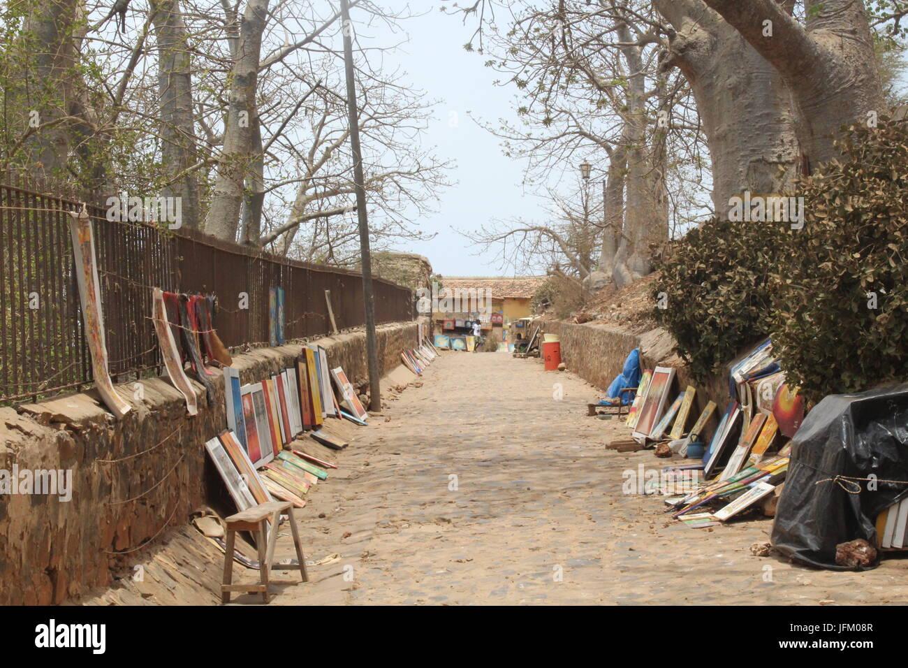 Peintures à vendre sur l'île de Gorée au Sénégal Banque D'Images