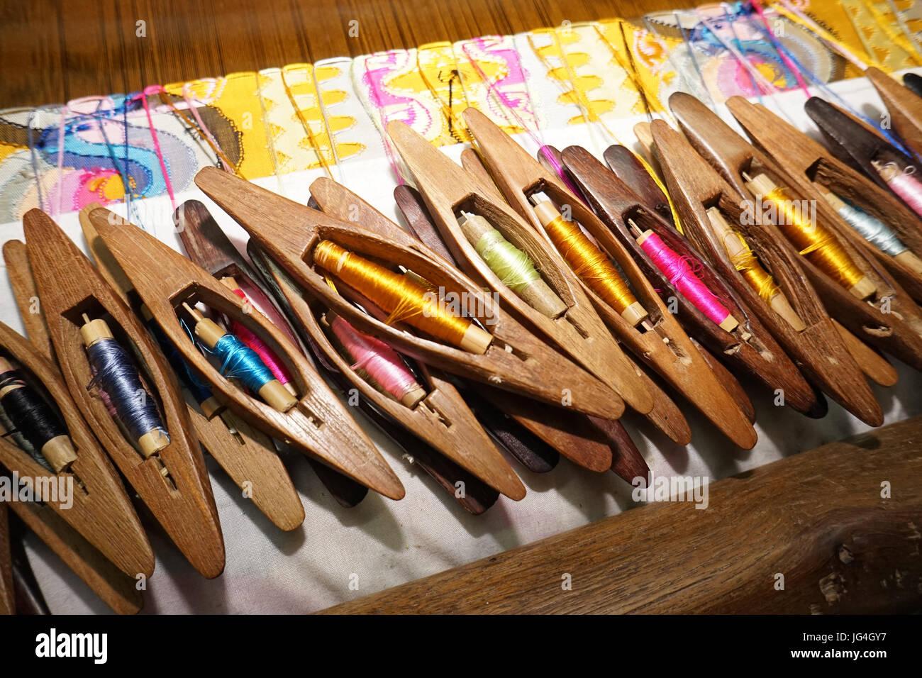 Outils pour le matériel de tissage au Myanmar, en Asie du sud-est Banque D'Images