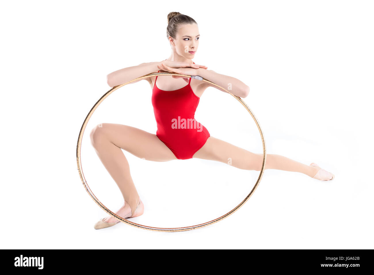 Mettre en place une formation gymnastique rythmique avec hoop isolated on  white Photo Stock 635f237daba