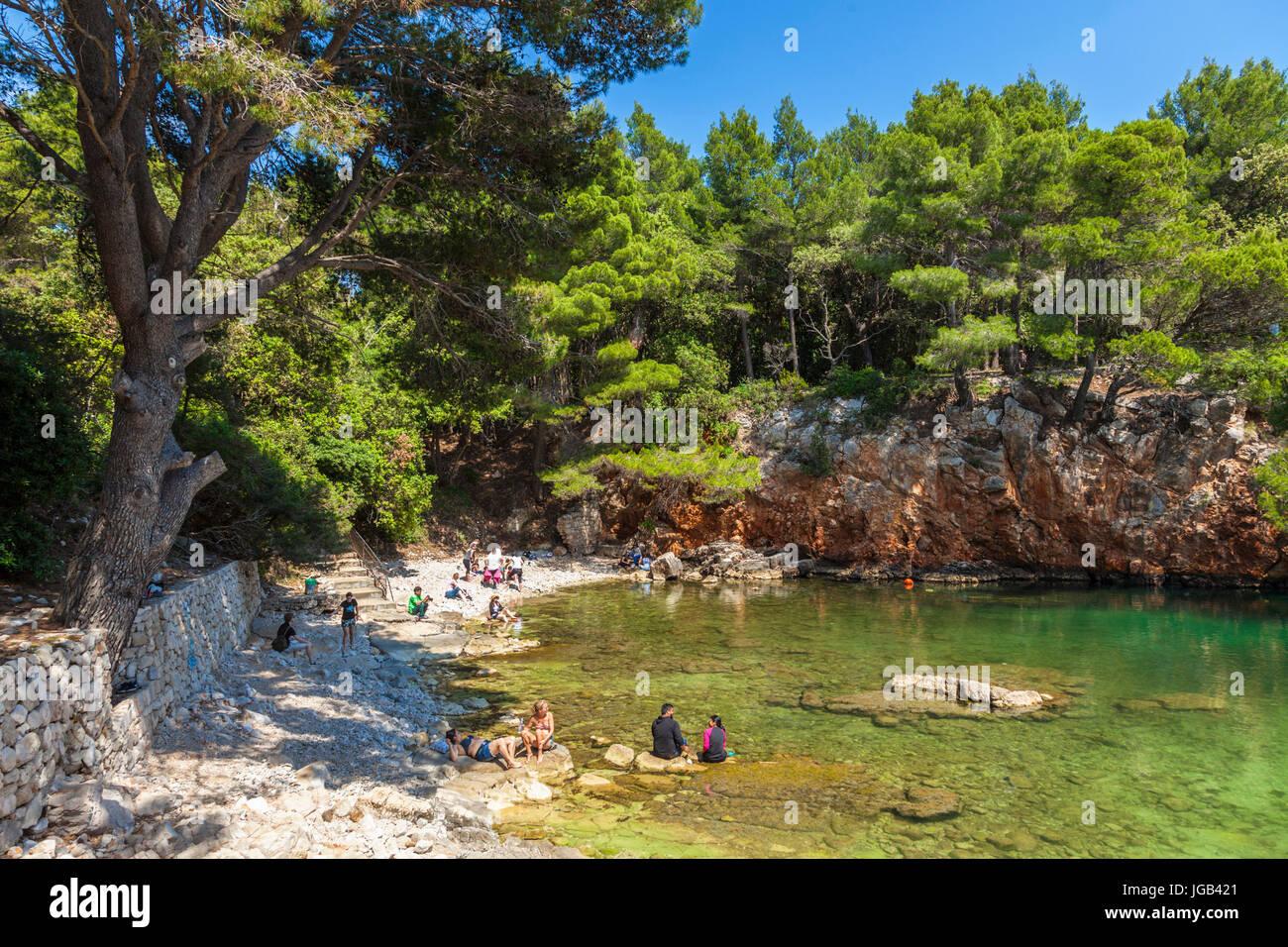 Croatie Dubrovnik Croatie côte Dalmate Dubrovnik île de Lokrum, Mer Morte plus Mrtvo, petit bassin de Photo Stock