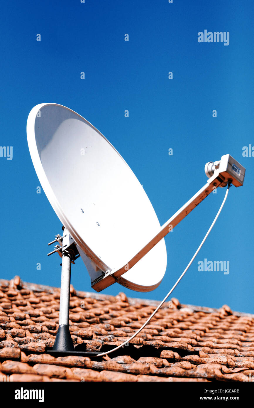 antenne satellite ou antenne parabolique ou banque d'images, photo