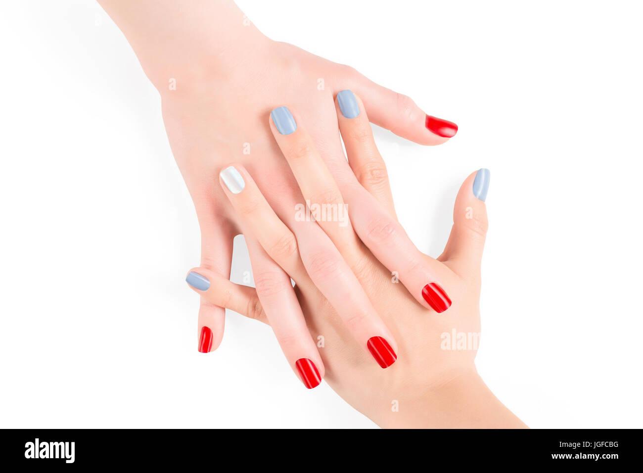 Femme avec les mains liées et bleu rouge laque, Vernis à ongles ...