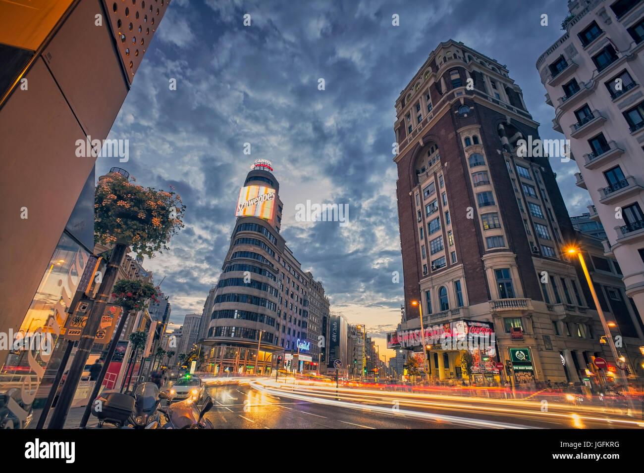 Callao square et de la rue Gran Via, au crépuscule. Madrid, Espagne. Photo Stock