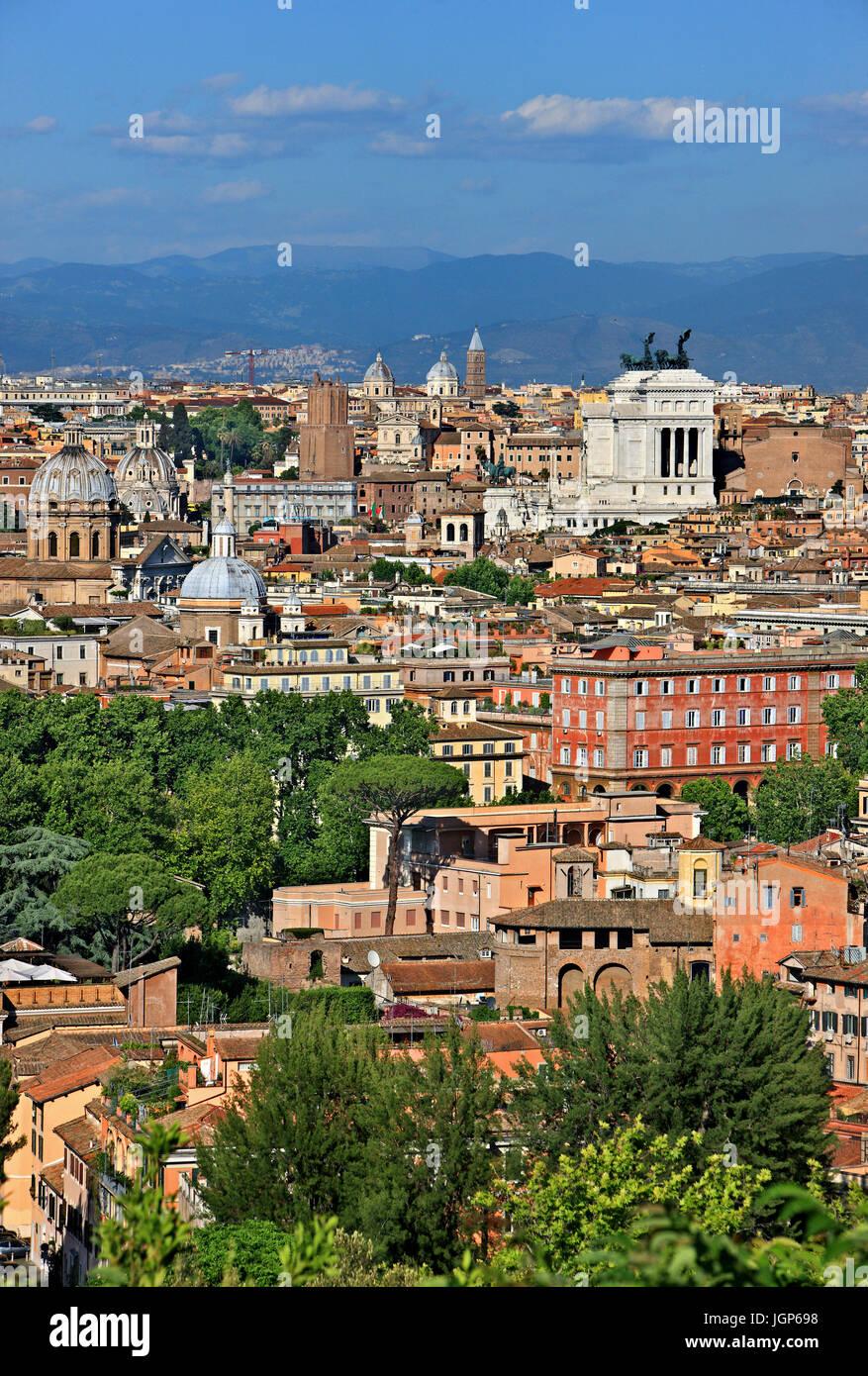 """Vue de Rome à partir de la colline du Janicule. Le bâtiment blanc qui ressort est la """"Vittoriano"""", Photo Stock"""