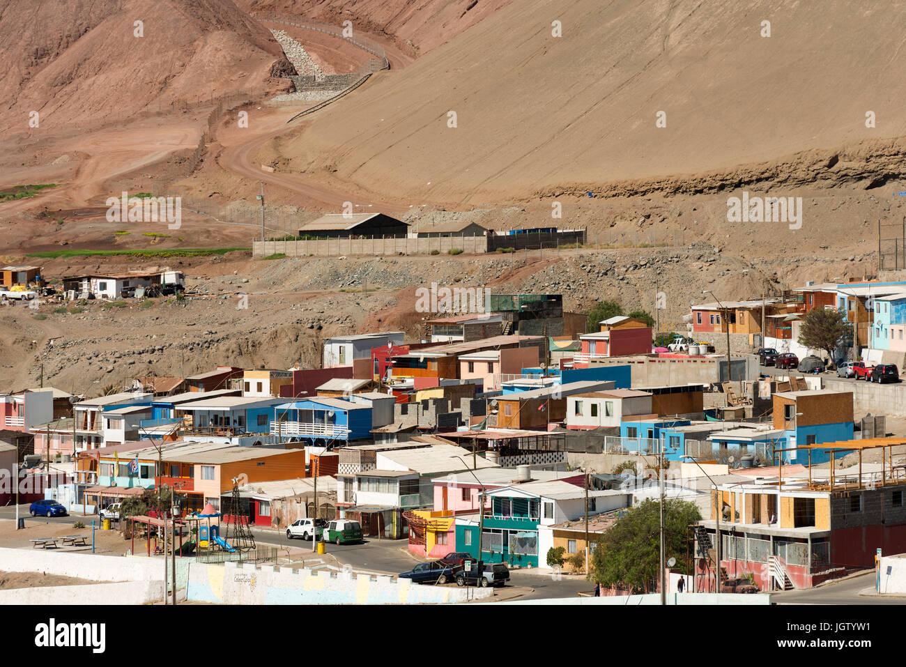 Antofagasta, Chili, région d'Antofagasta - Caleta Coloso, un petit groupe de maisons au sud de la ville Photo Stock