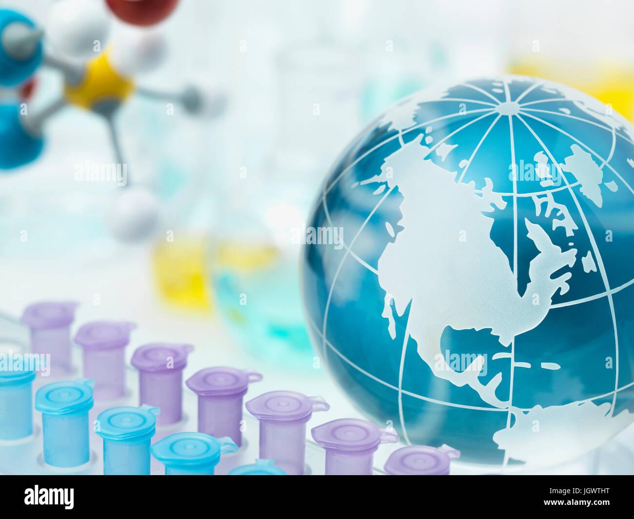 Globe montrant les Amériques avec le porte-tube à essai Banque D'Images