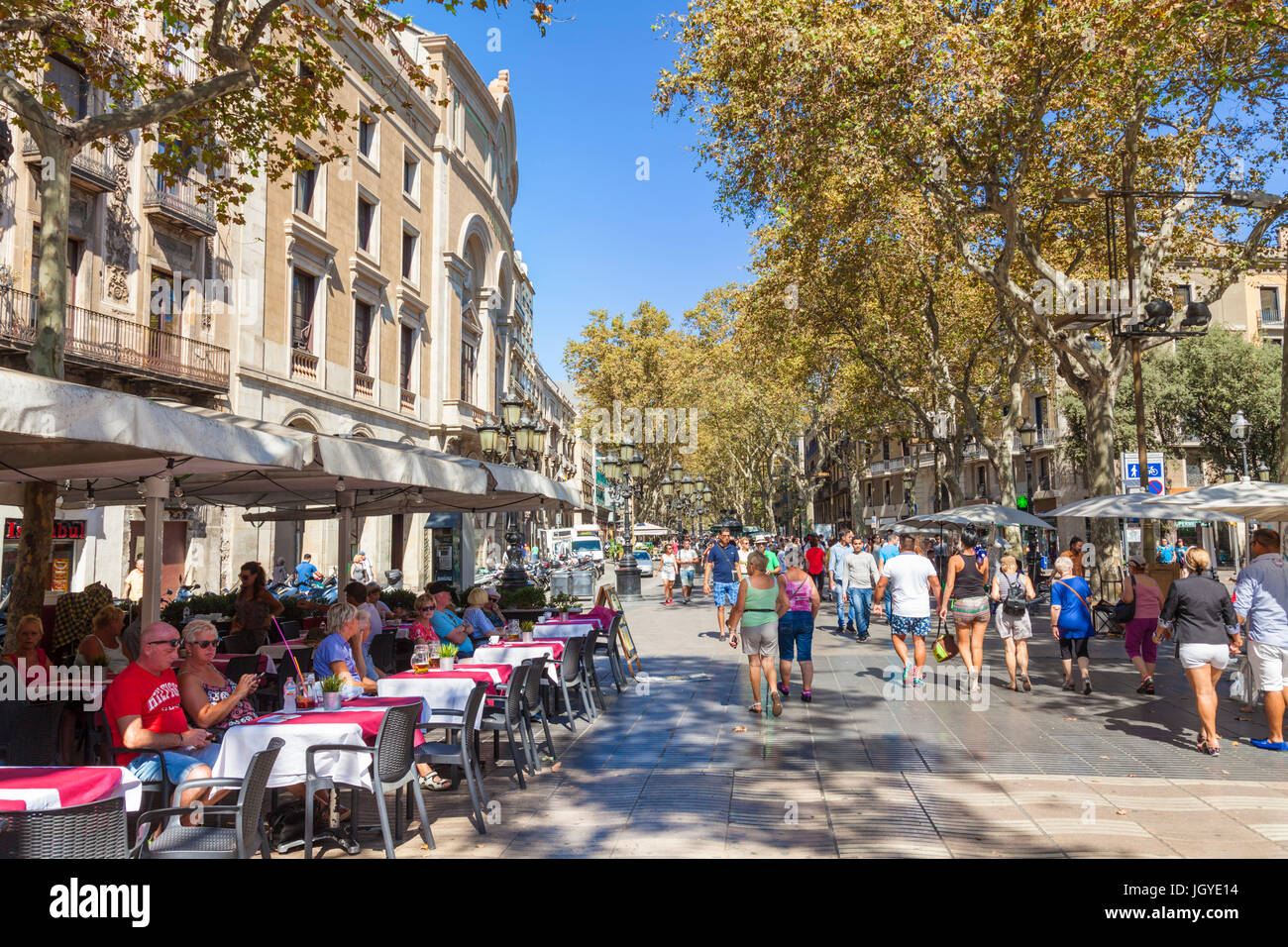 Barcelone Catalogne Espagne Las Ramblas touristes marcher le long de Las Ramblas las Ramblas de Barcelone la rambla Photo Stock