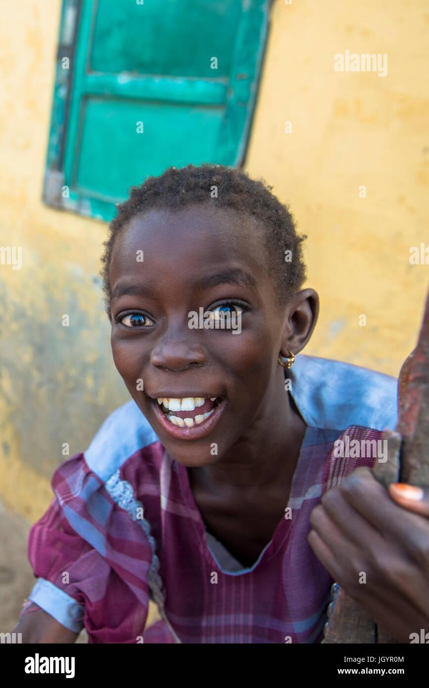 Saint Louis l'enfant. Le Sénégal. Photo Stock