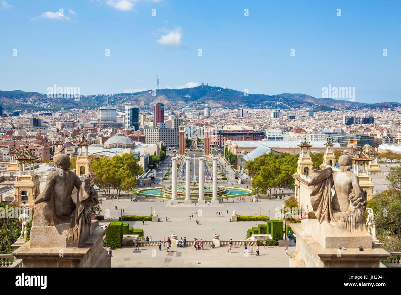 Vue sur les toits de Barcelone du Montjuic, Barcelone, Catalogne (Catalunya), Espagne, Europe Photo Stock