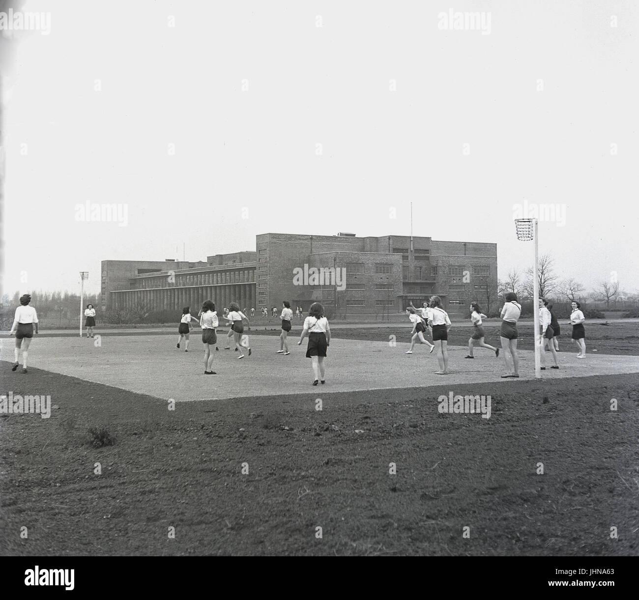 Années 1950, en Angleterre, les jeunes femmes étudiant à un collège de formation des enseignants Photo Stock