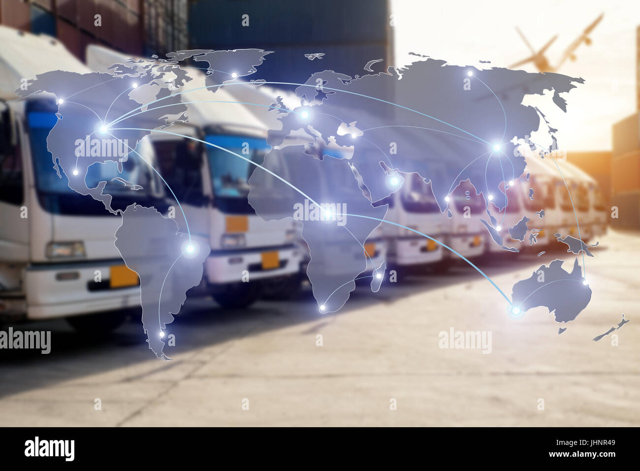Partenariat logistique mondiale Carte de connexion pour chariot de transport de cargaison Conteneurs Import Export Photo Stock