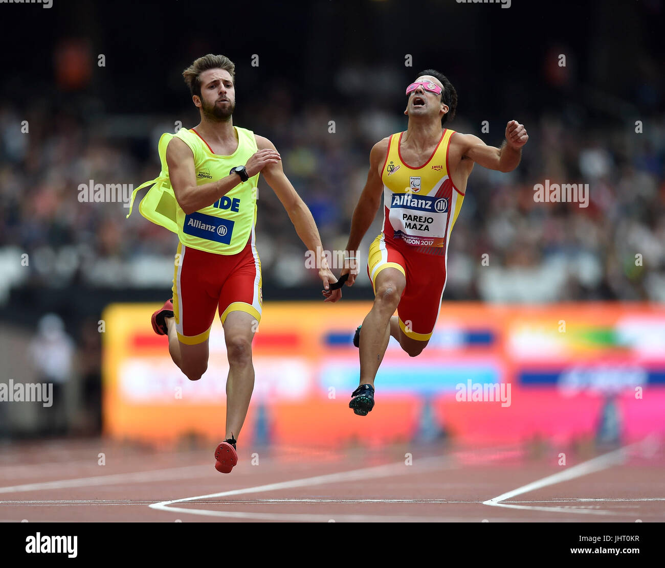 Londres, Royaume-Uni. 15 juillet, 2017. Martin Masa Parejo, guide Albert Selva Comadran (EPS) pendant le 100 M T11, Photo Stock
