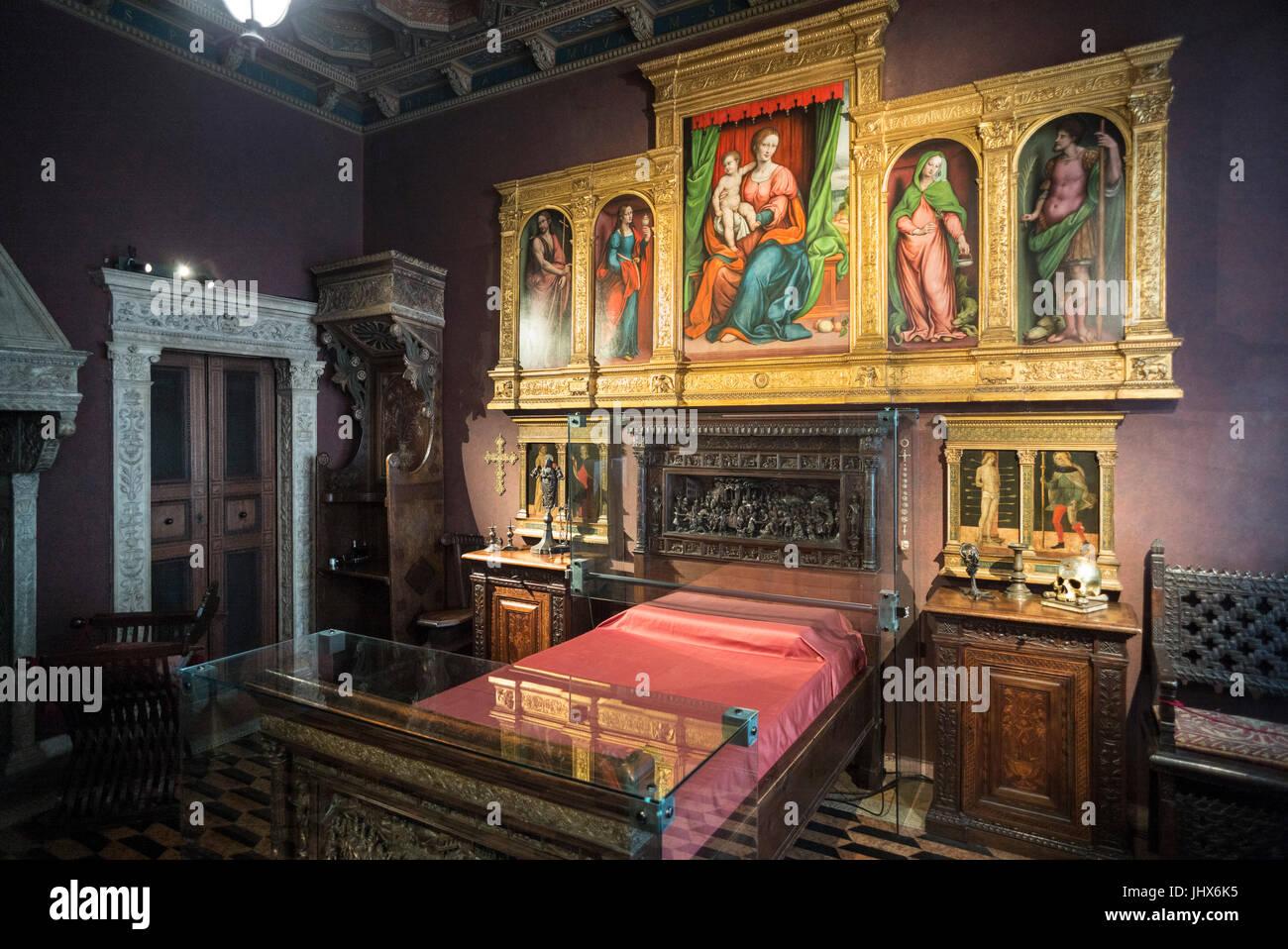 Milan. L'Italie. Museo Musée Bagatti Valsecchi, Fausto Bagatti Valsecchi, le prix du lit de Valteline. Photo Stock