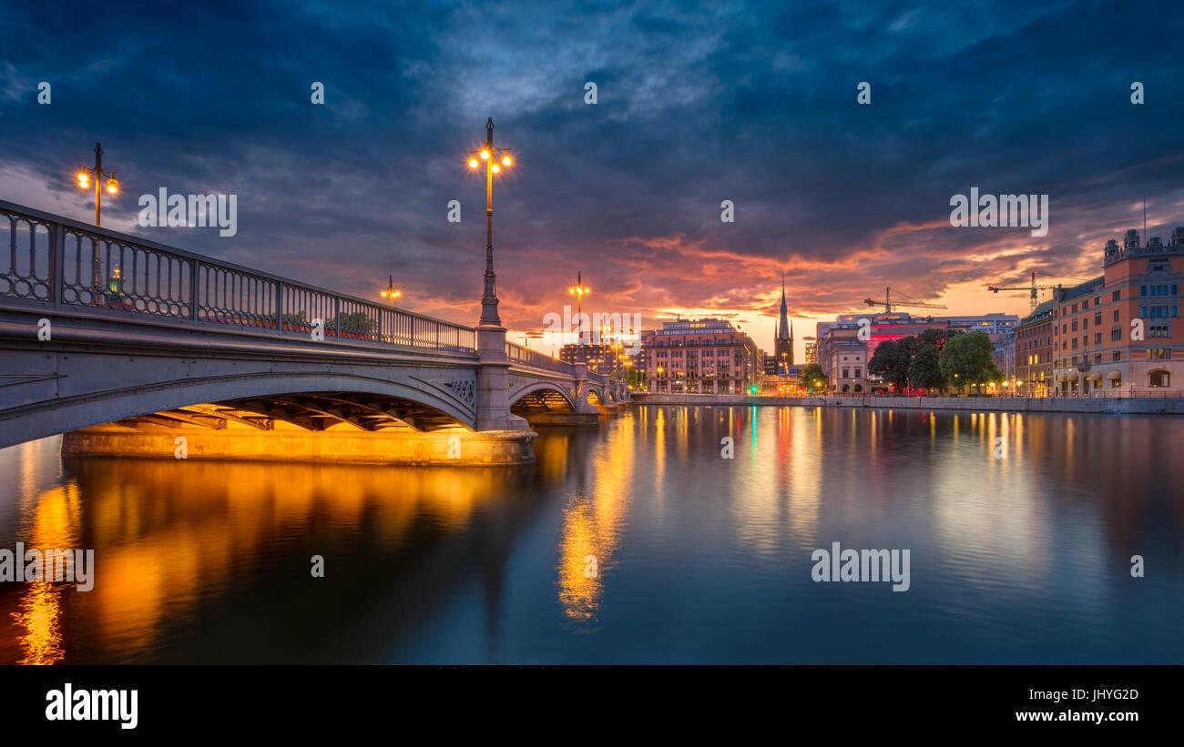Stockholm. Image panoramique de la vieille ville de Stockholm, la Suède pendant le coucher du soleil. Photo Stock