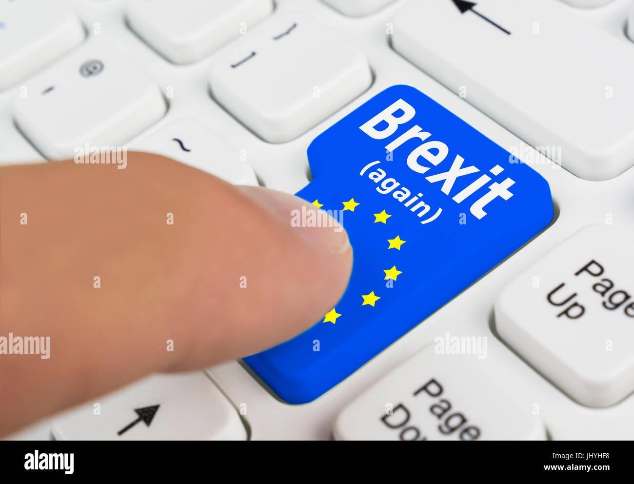 Bouton Brexit montrer à quelqu'un qui vote pour le Royaume-Uni pour quitter l'UE dans un 2e référendum. Photo Stock