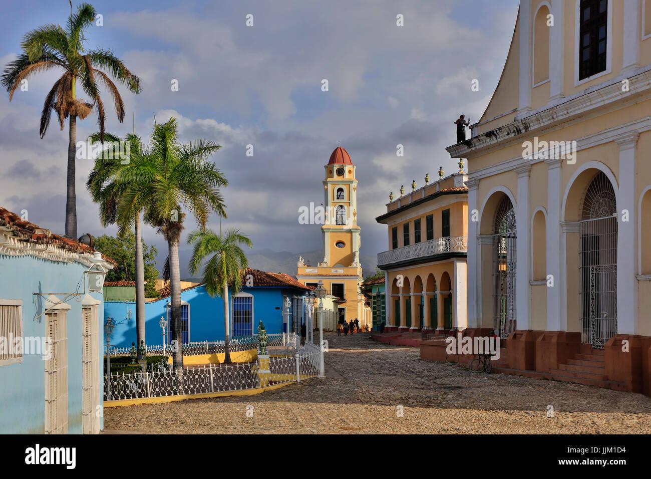 Le clocher du Museo Nacional de la Lucha Contra Bandidos de la PLAZA MAYOR - Trinidad, Cuba Photo Stock