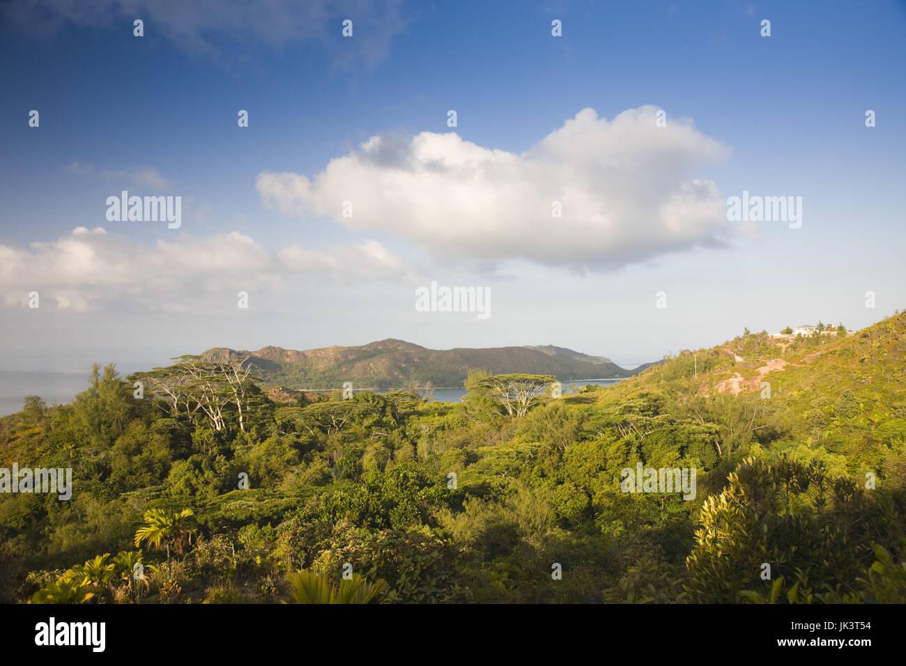 L'île de Praslin, Seychelles, Chevalier Bay, vue vers le nord de Grand Fond (el. 340 mètres) Photo Stock