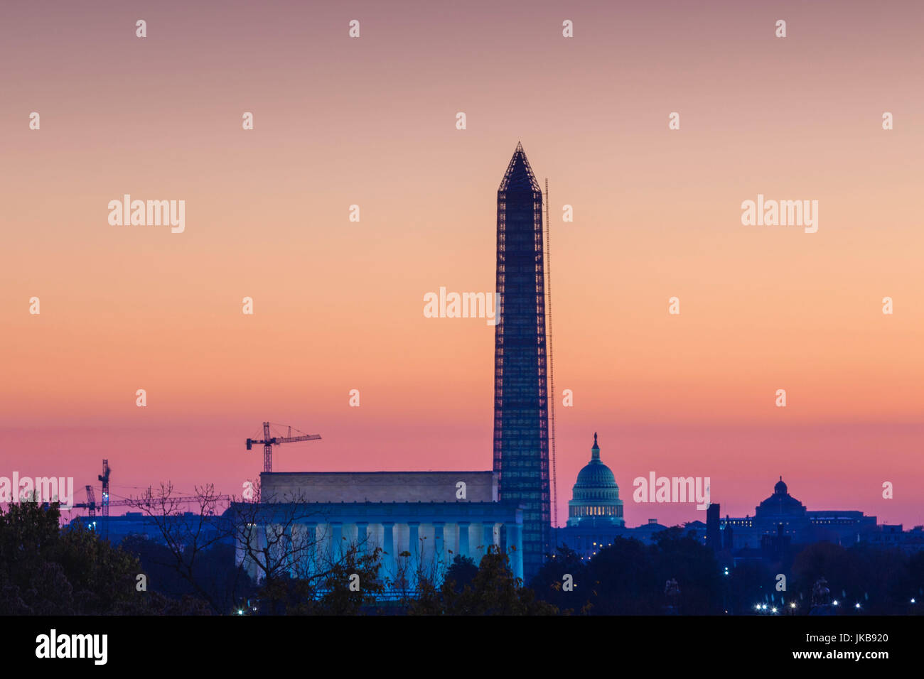 USA, Washington DC, le Lincoln Memorial, le Washington Monument et Capitole, Dawn Photo Stock