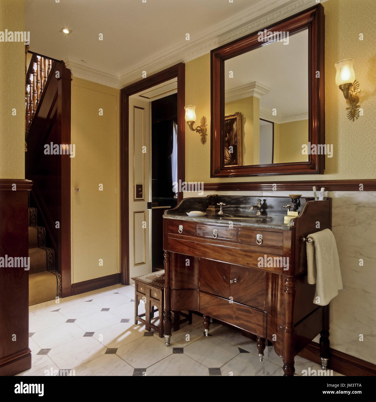 Salle de bains de style art déco Banque D\'Images, Photo Stock ...