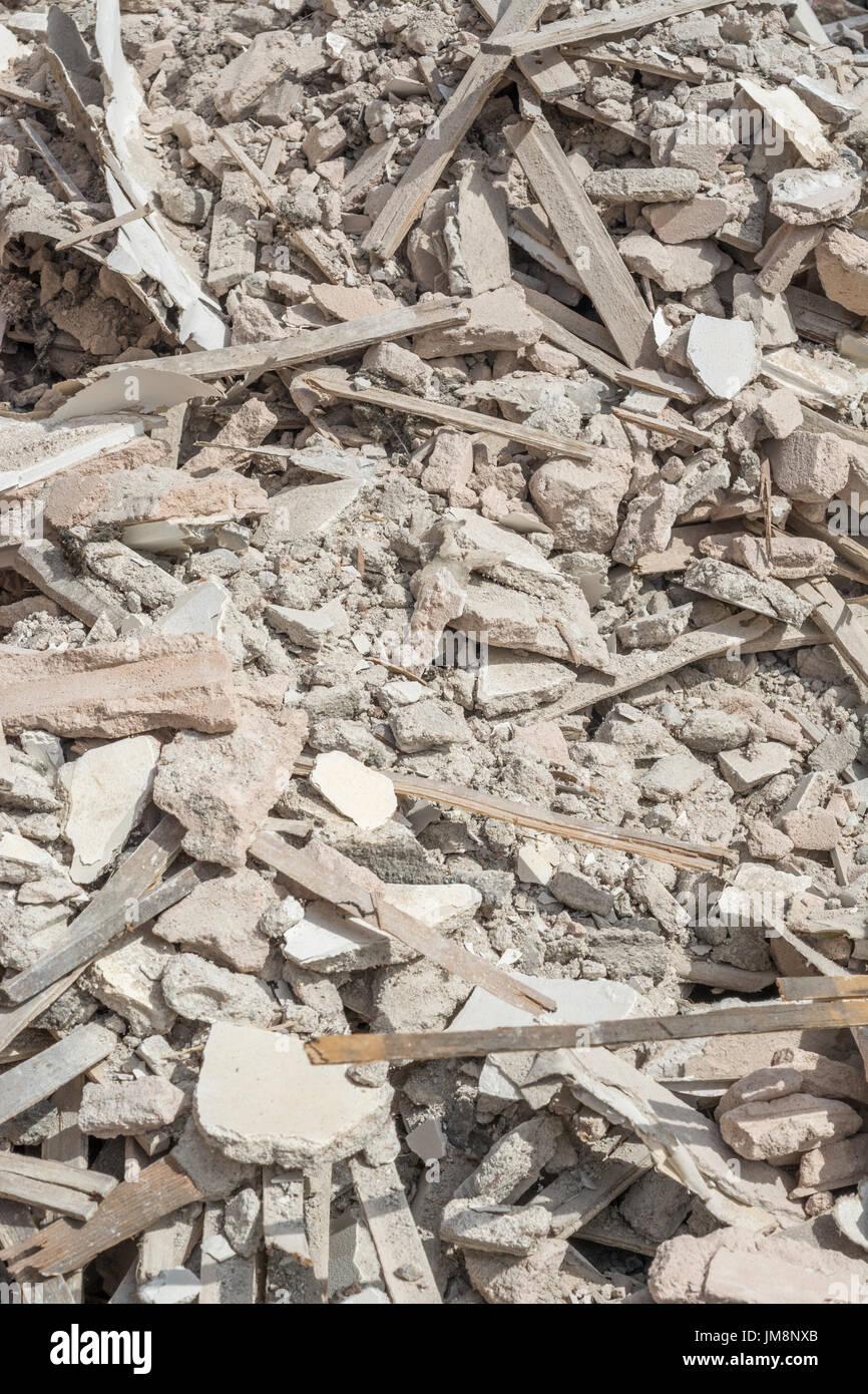 Builder De Décombres Vieux Spécifiquement à Base De Chaux Et De