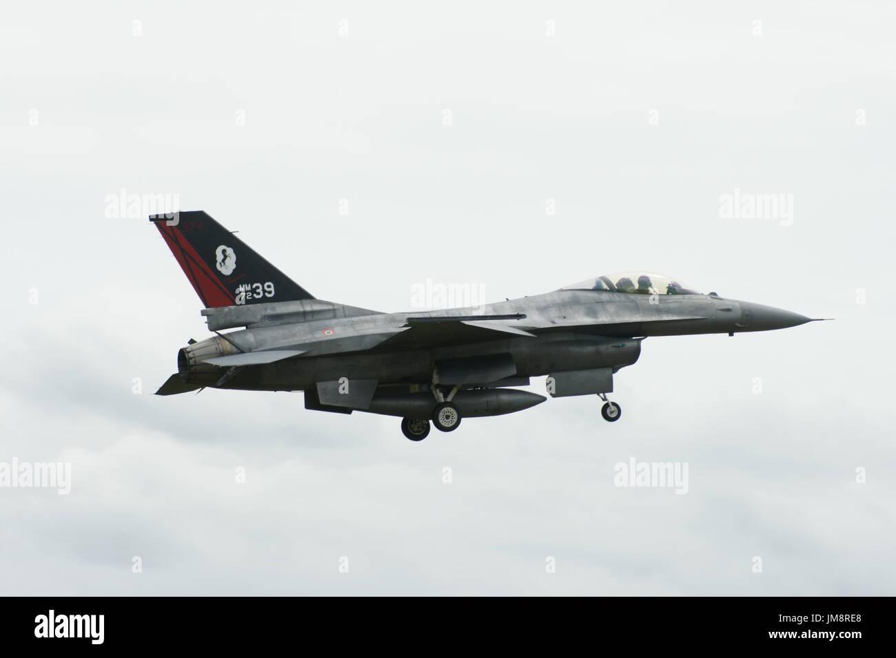 En avion de chasse F-16 Falcon Banque D'Images