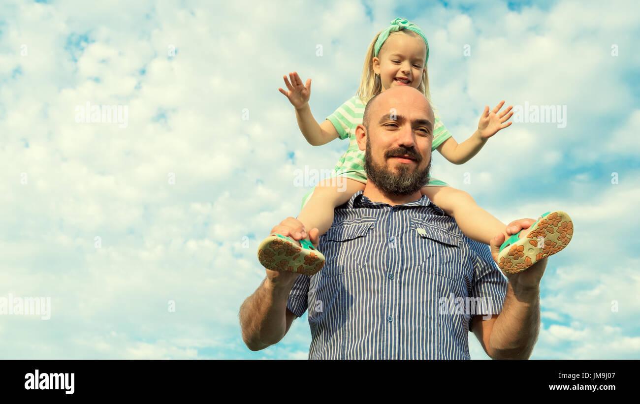 Père et fille adorable portrait, famille heureuse, concept futur Photo Stock