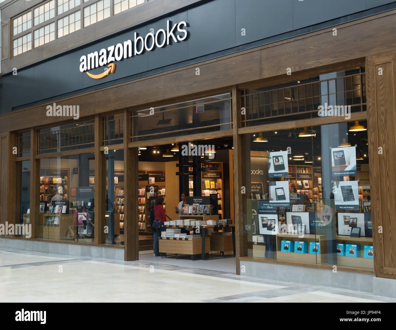 Amazonbooks store extérieur en un centre commercial, dans le nord de la NJ Photo Stock