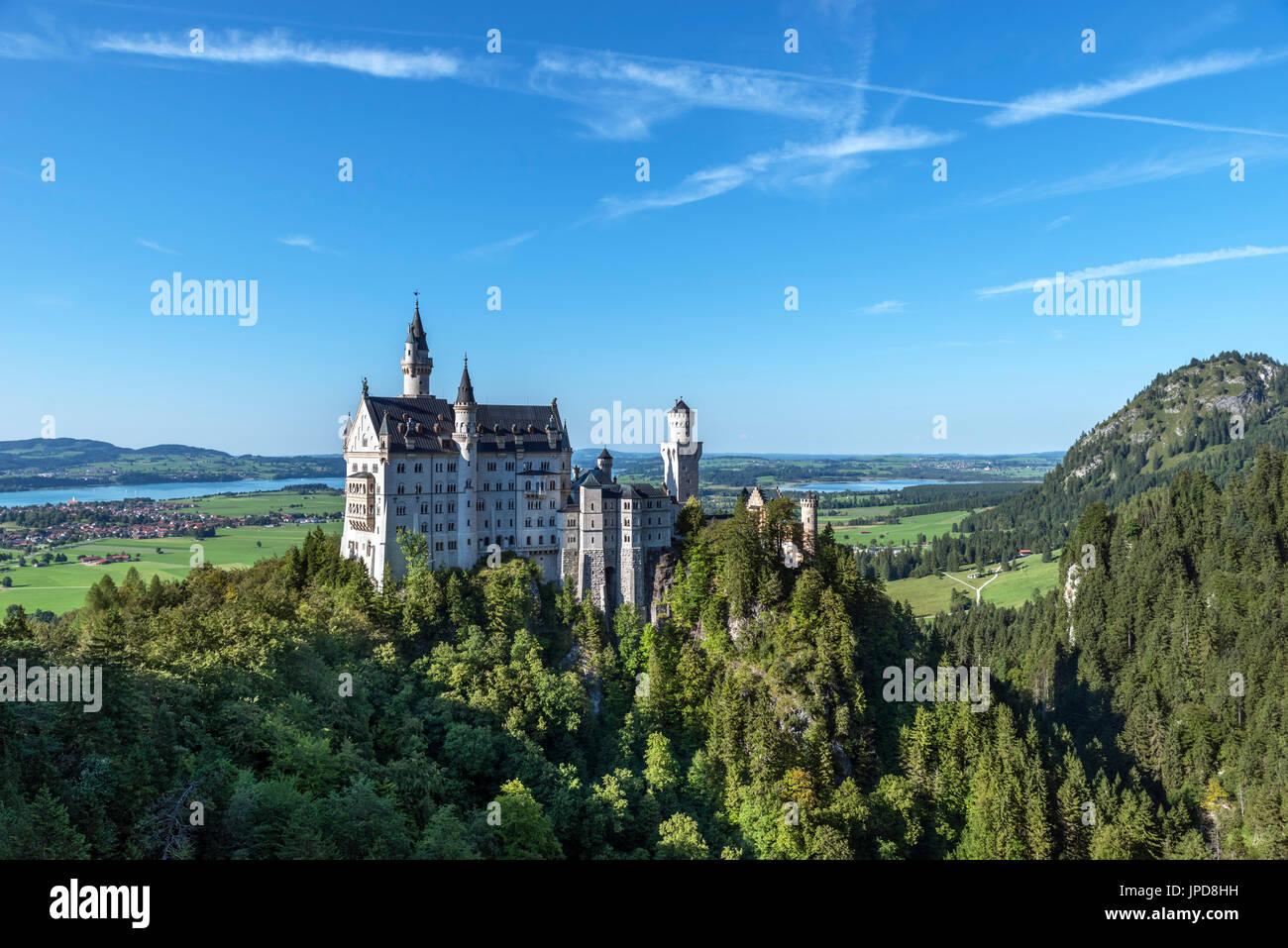 Le château de Neuschwanstein (Schloss Neuschwanstein), le palais de contes de fées construit par le roi Louis II de Bavière, Hohenschwangau, Allemagne Photo Stock