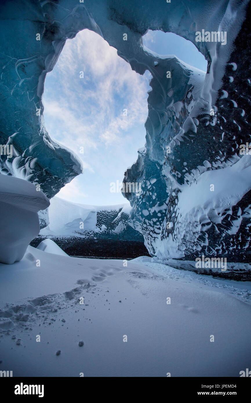Grotte de glace dans le sud-est de l'Islande Photo Stock