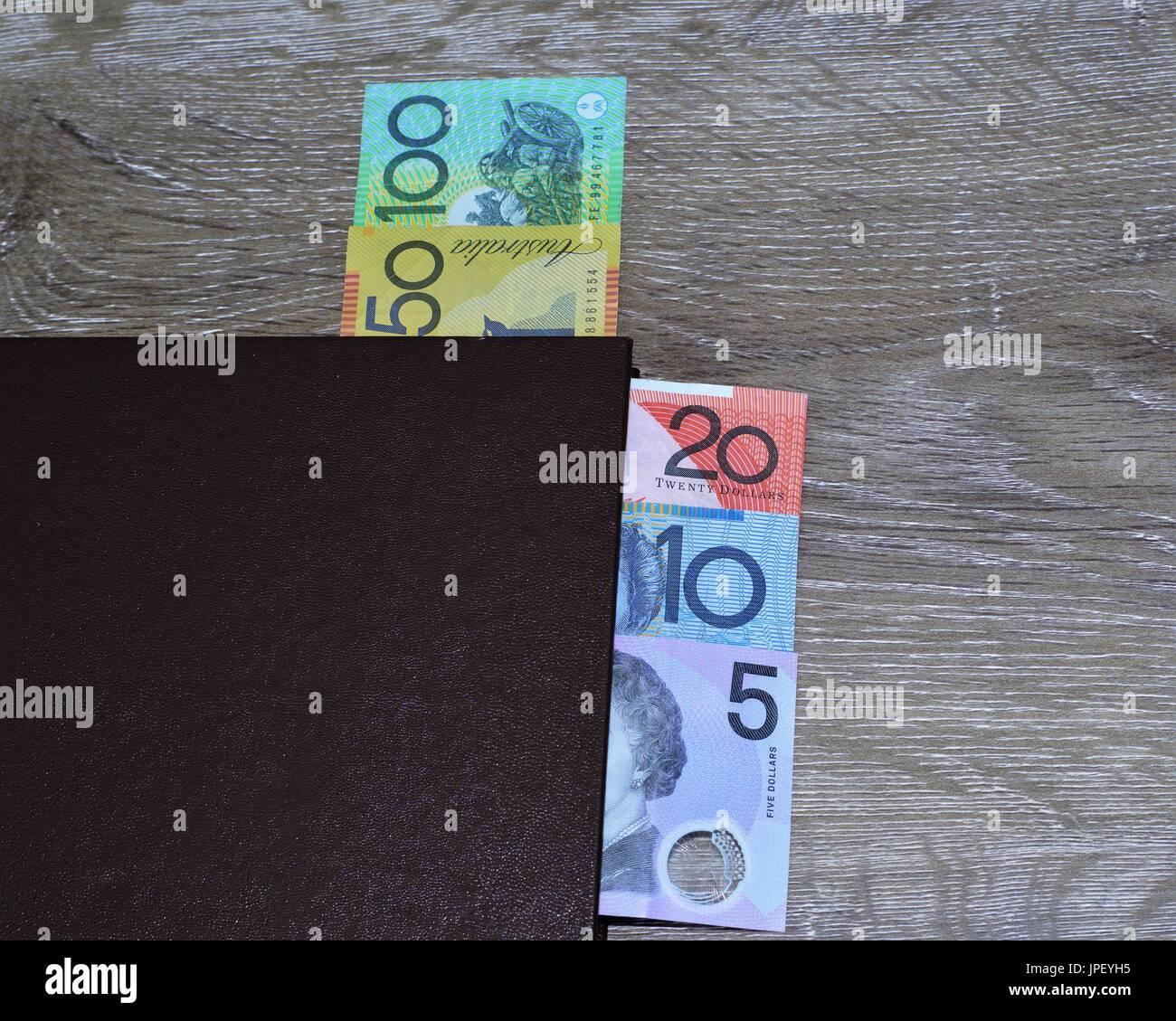 Dollars australiens dans le livre. Cent dollars, cinquante, vingt, dix, cinq dollars, Photo Stock