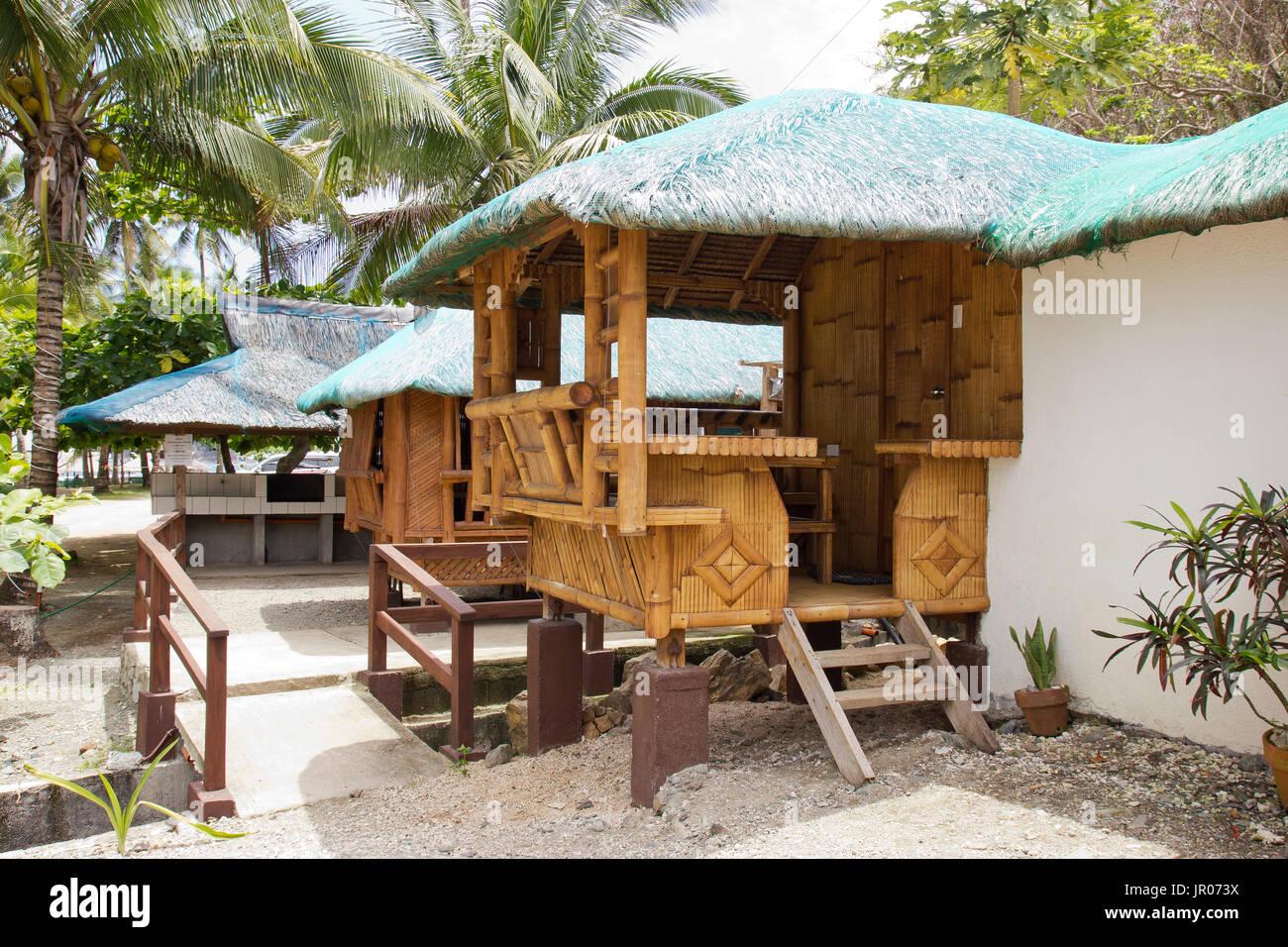 Le nipa huttes dans la ramasseuse presse des philippines nous lhébergement idéal