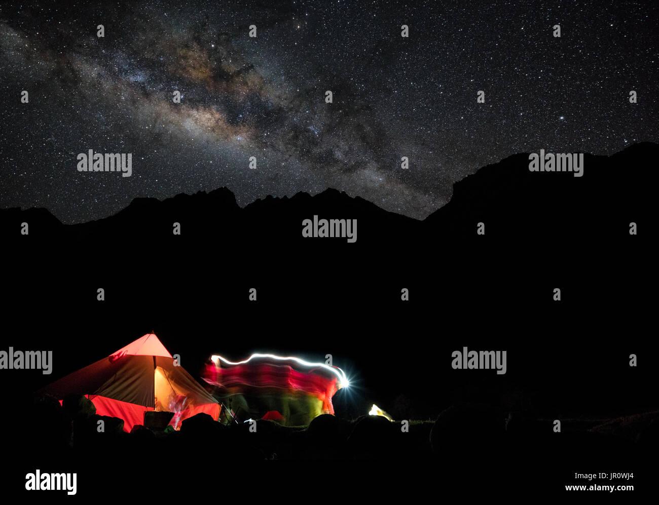 Camping dans la Cordillère Blanca Photo Stock
