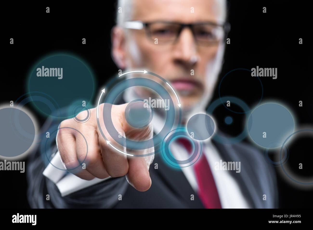 Businessman working avec schéma de cloud computing Banque D'Images