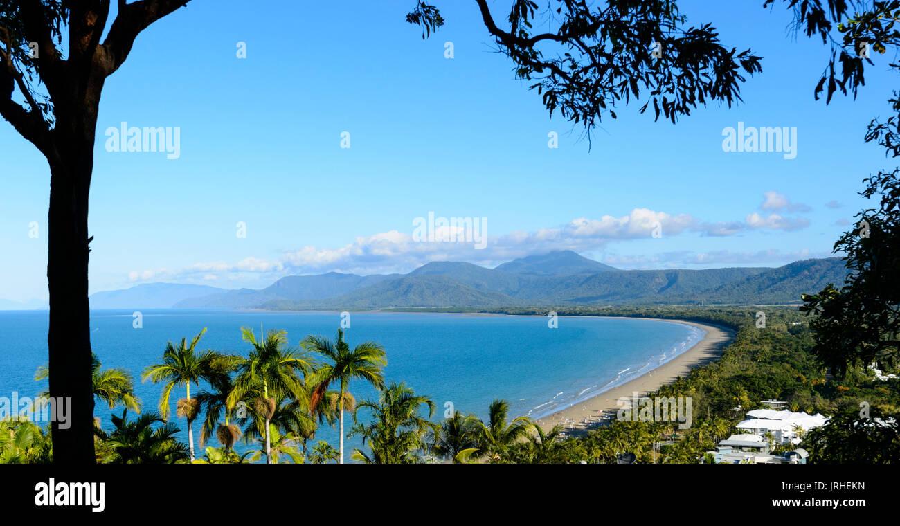 Vue sur la baie de Trinité à Port Douglas à partir de Flagstaff Hill Lookout, Far North Queensland, Queensland, Australie, FNQ Photo Stock