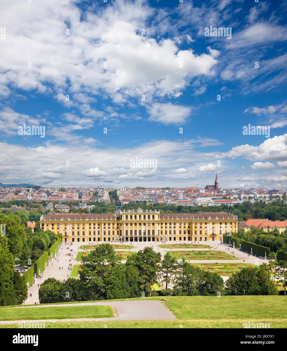 Vienne - Le palais Schönbrunn et les jardins et le parc. Photo Stock