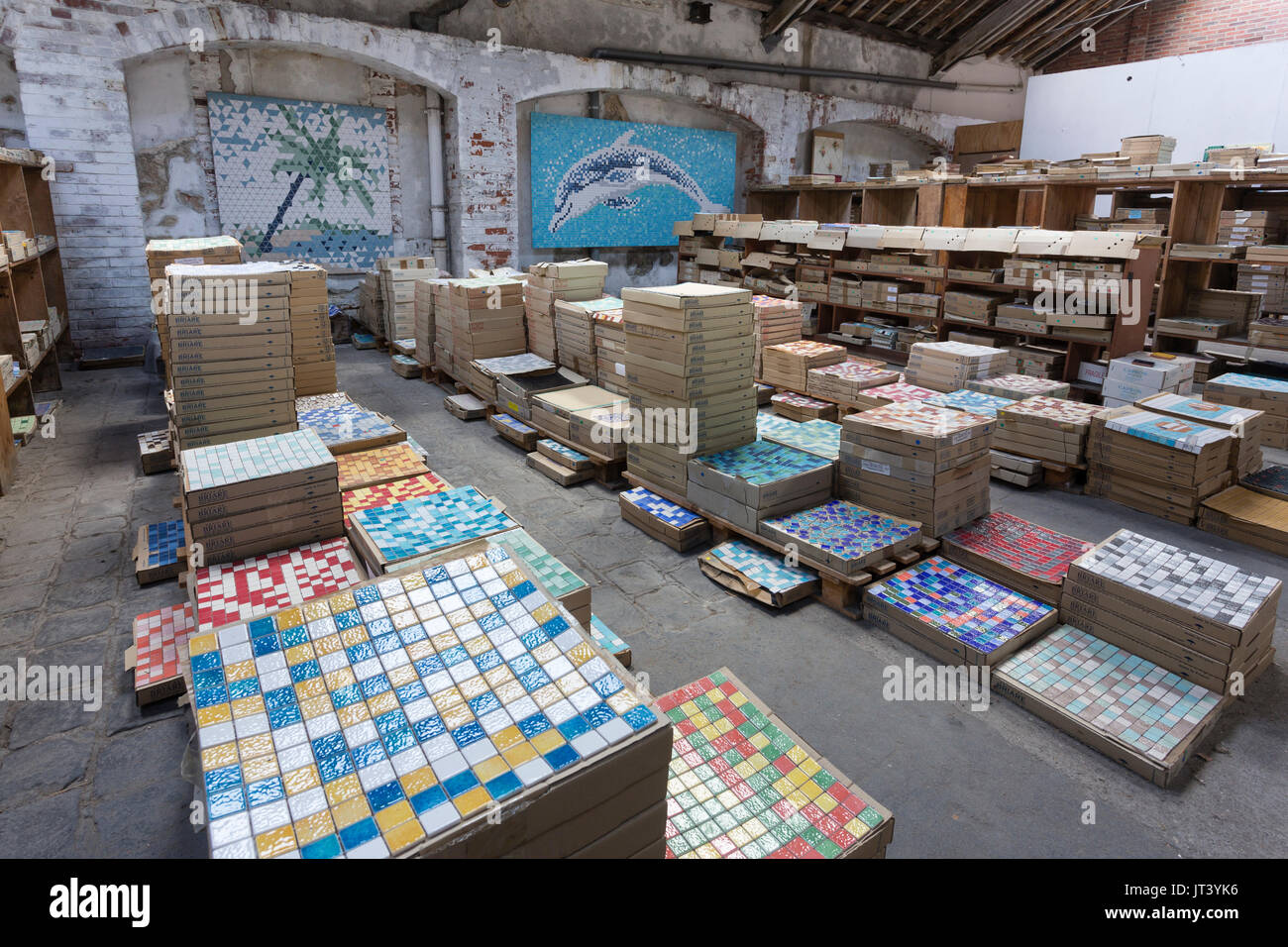 France Loiret Briare Musee De La Mosaique Et Des Emaux De Briare Le Magasin D Usine Photo Stock Alamy