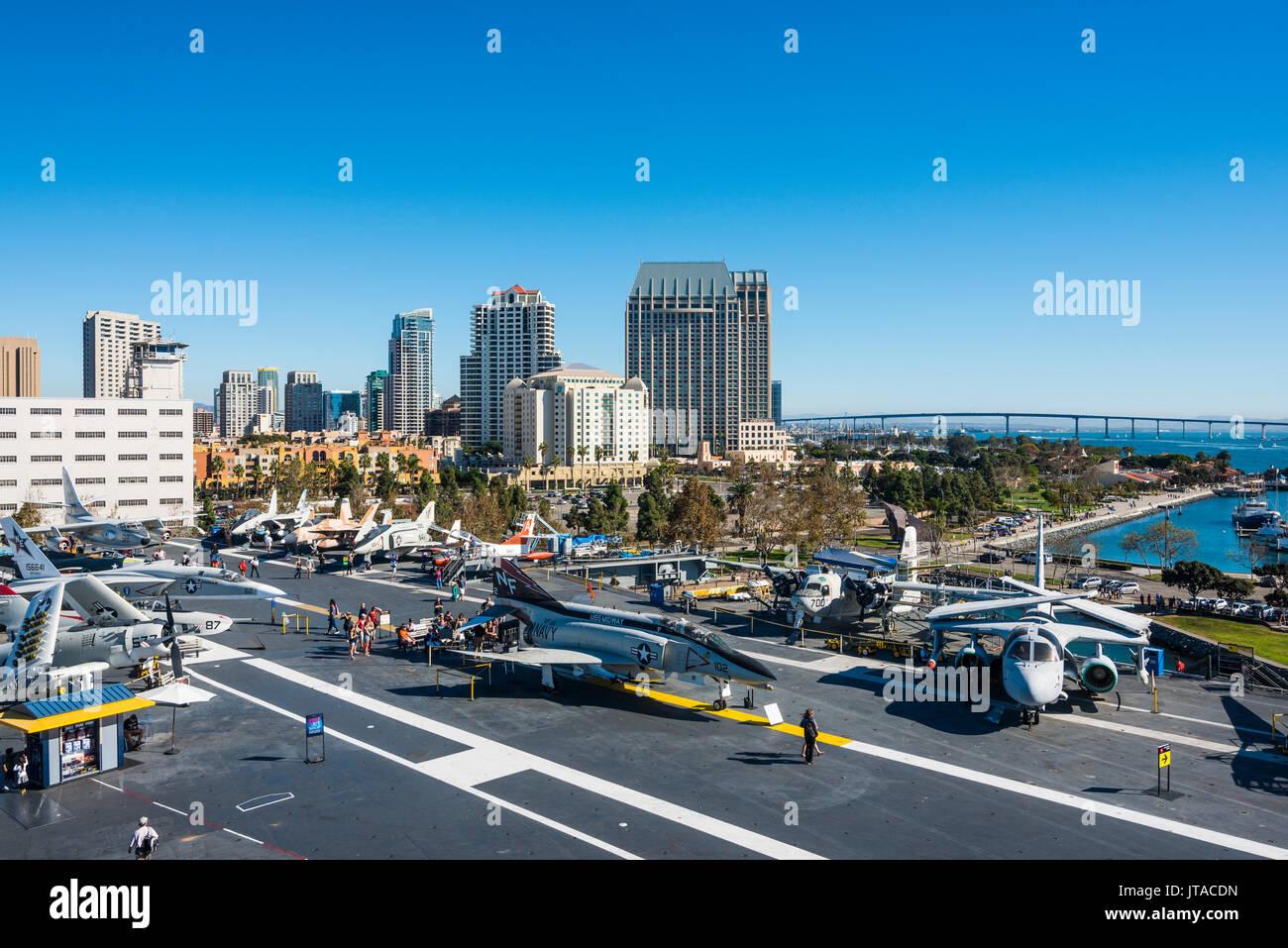 En avion de chasse sur le pont de l'USS Midway Museum, San Diego, Californie, États-Unis d'Amérique, Amérique du Nord Photo Stock