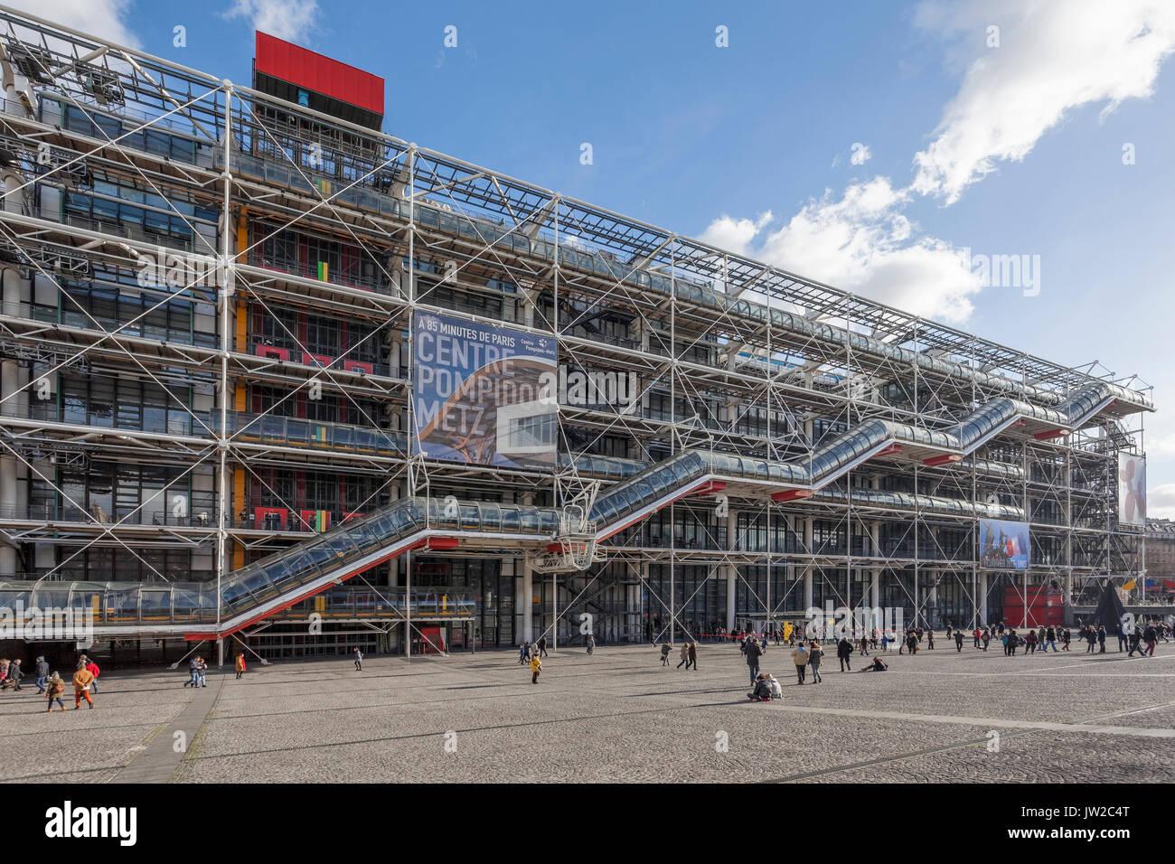 Centre Pompidou, Centre national d'art et de culture Georges Pompidou, Beaubourg, high-tech ou de l'architecture brutaliste de Renzo Piano et Richard Roge Photo Stock