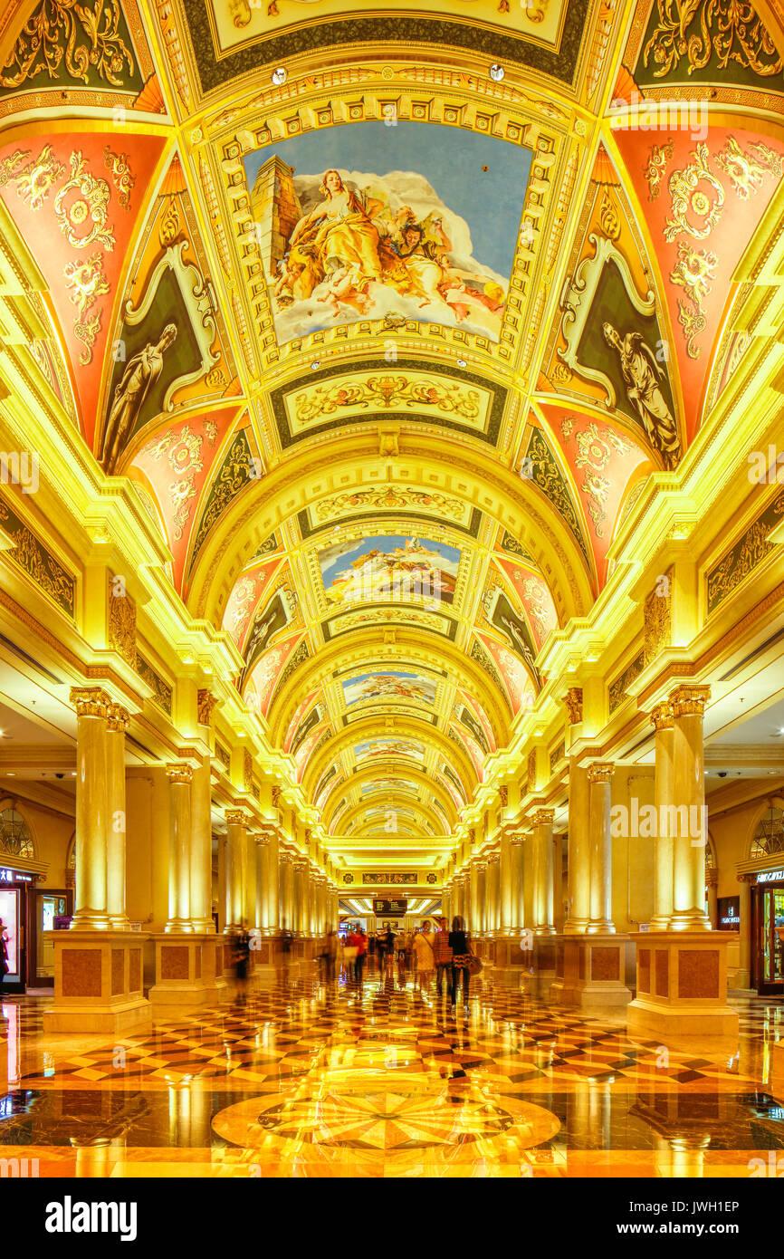 Les motifs complexes sur le plafond de l'hôtel et le Casino de Venise, Cotai, Macao. Photo Stock