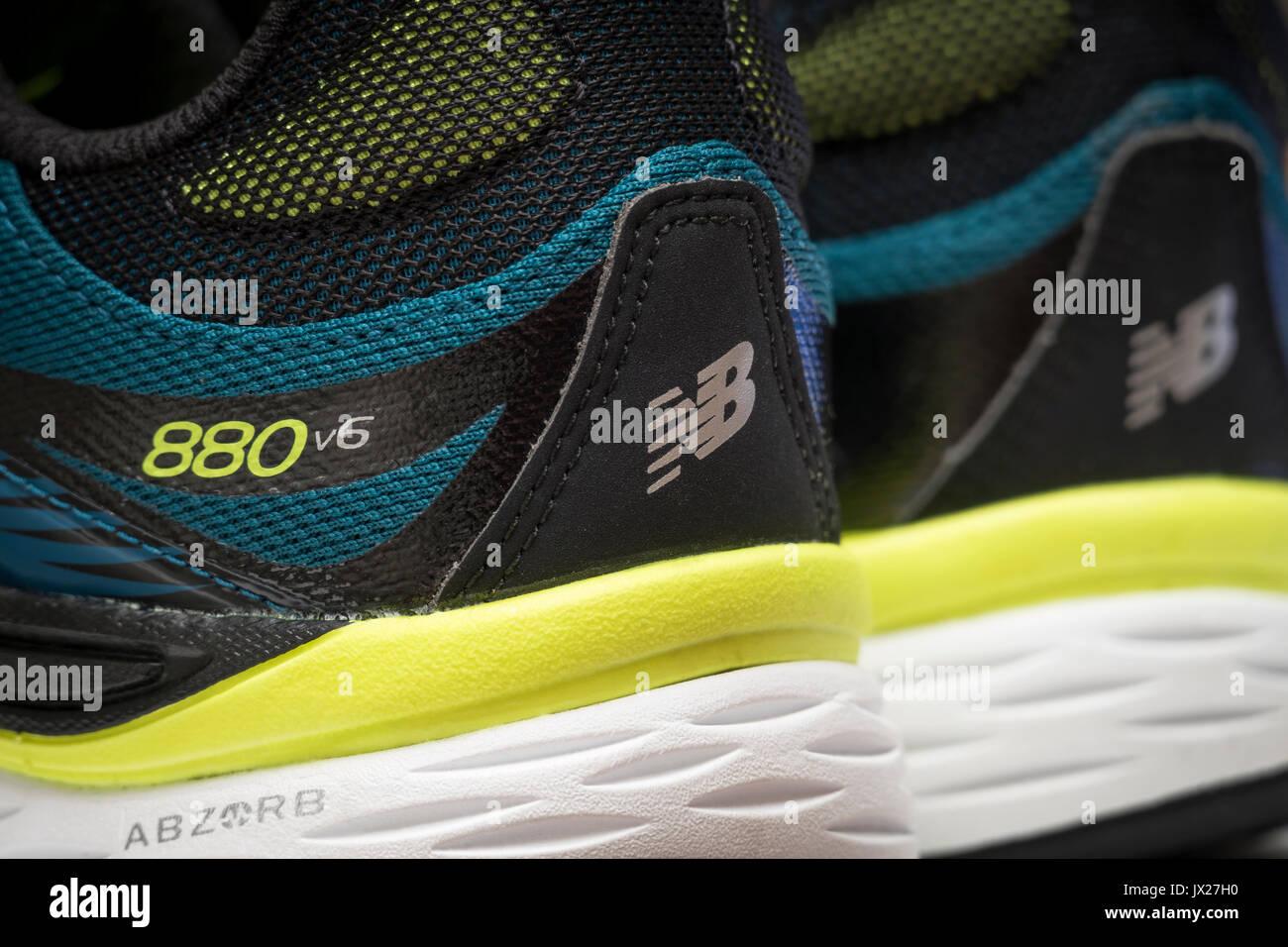New Balance 880 v6 chaussures de course, gros plan vue arrière Photo Stock