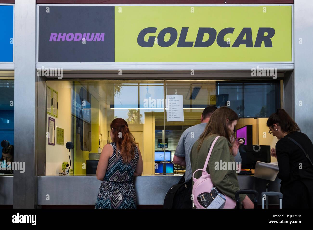 Location De Voitures Goldcar Office Desk A L Aeroport Reina Sofia De